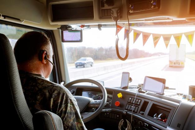Motoristas precisam estar por dentro de tecnologias para sair na frente
