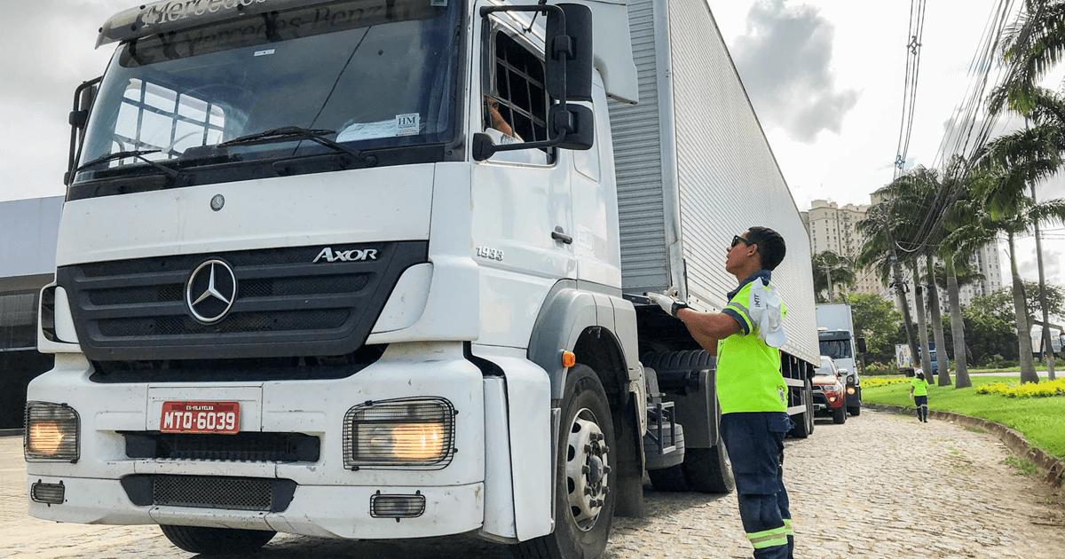 Caminhoneiros poderão trabalhar com MOPP e EAR vencidos
